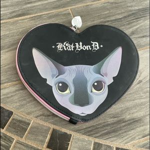 🔥Kat Von D x Too Faced Heart Shaped Cosmetic Bag